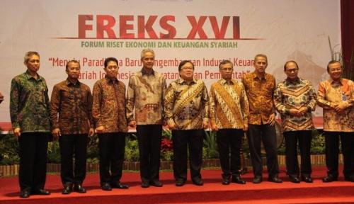 Foto OJK Dorong Akademisi Kembangkan Industri Keuangan Syariah