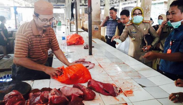 Foto Berita Cegah Peredaran Daging Busuk, Pemkot Makassar Sidak Pasar Tradisional