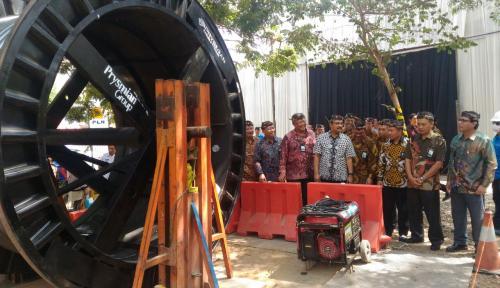 Foto PLN Bangun Kabel Bawah Tanah Senilai 300 Miliar di Madura