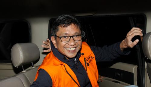 Foto Keluar Pakai Rompi Oranye, Eddy Rumpoko Terlihat Masih Cengengesan, Ini Dia Tampangnya...