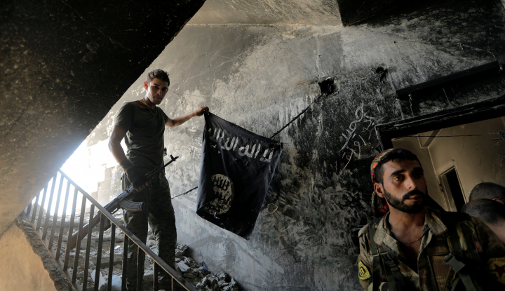 Komnas HAM: Paspor Dibakar, Status WNI Eks ISIS Tak Hilang - Warta Ekonomi