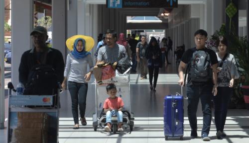 Foto Jelang Pertemuan IMF, Bandara Ngurah Rai Tambah Meja Pelaporan