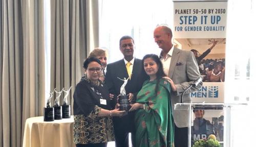 Foto United Nations Women Berikan Award Agen Perubahan Kepada Menlu Retno