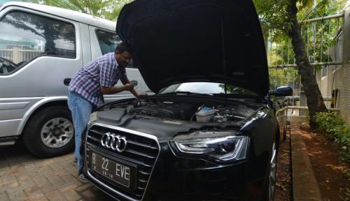 Foto Lelang KPK, Mobil Bekas M Sanusi Nggak Laku