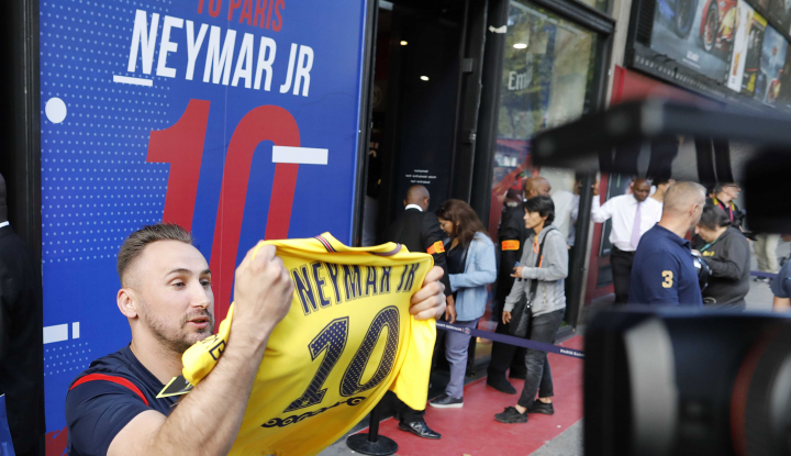 Foto Berita PSG Terlalu Andalkan Sepak Terjang Neymar?