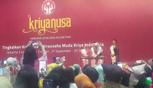 Gunakan Pakaian Adat, Jokowi Buka Pameran Kriyanusa 2017