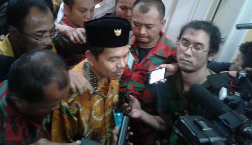 Foto 'Dipalak' Rp10 Miliar, Dedi Mulyadi Mengadu ke Ical