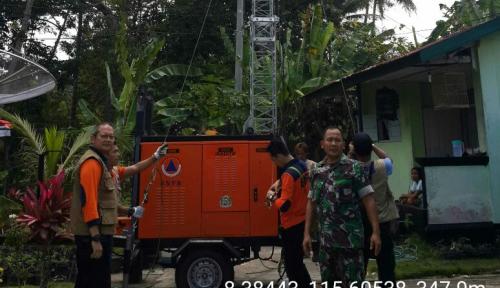 Foto BNPB Pasang Rambu Peringatan Radius Bahaya Gunung Agung