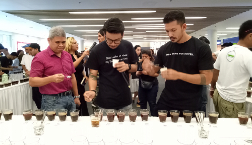 Foto Mal Ciputra Rayakan Hari Kopi Sedunia dengan 1.000 Cupping Kopi