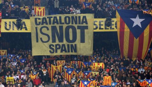 Foto Antara FC Barcelona dan Referendum Catalonia