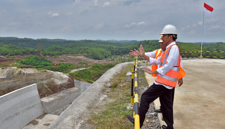 Foto Berita Elektabilitas Jokowi 'Mentok', Pengamat: Jangan Cuma Andalkan Infrastruktur