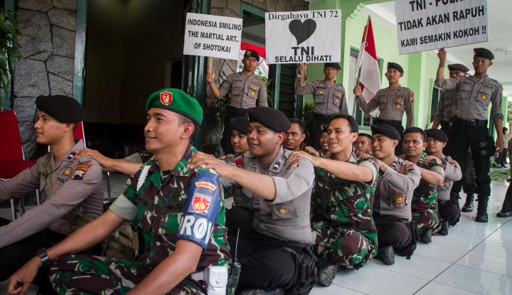 Foto Berita Komandan Sarankan Para Tentara Pikirkan Rumah untuk Hari Tua