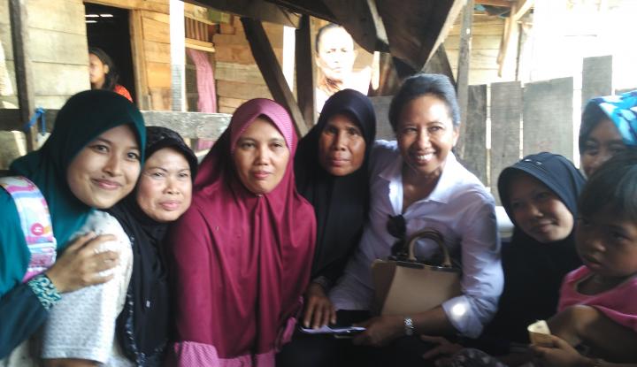 Sambung Internet Hingga ke Desa, Menteri Rini Dorong Produk Nasabah Mekaar Mendunia - Warta Ekonomi