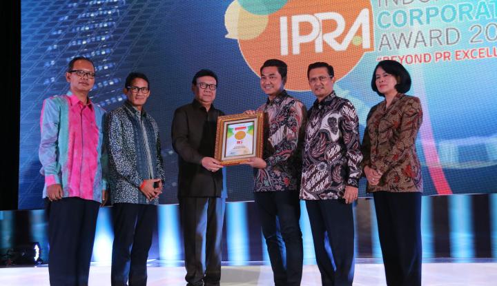 Foto Berita Home Credit Raih Penghargaan Indonesia Corporate PR Award 2017