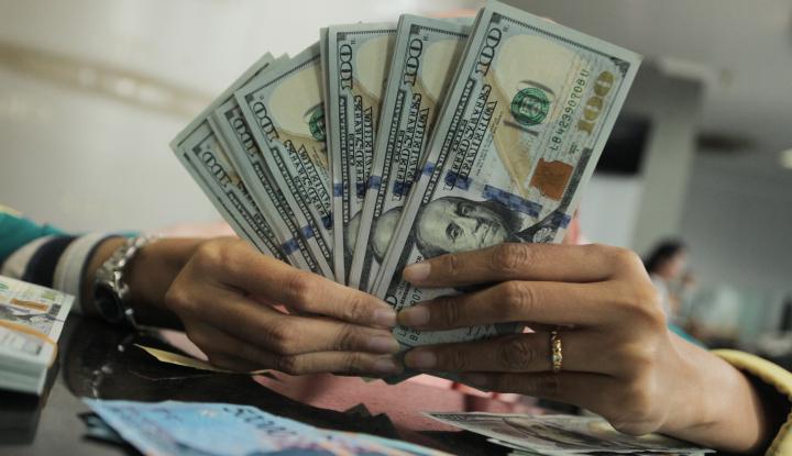 Foto Berita Dolar AS Menguat di Tengah Aksi Jual Saham Global