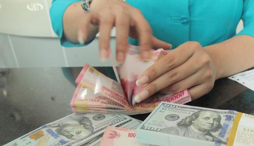 Foto Dolar AS Jatuh Jelang Pidato Yellen