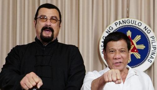 Foto Duterte Bertemu Steven Seagel, Ngobrol Soal Narkoba