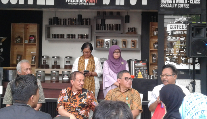 kemen lhk: petani kopi jabar terapkan agro forestry