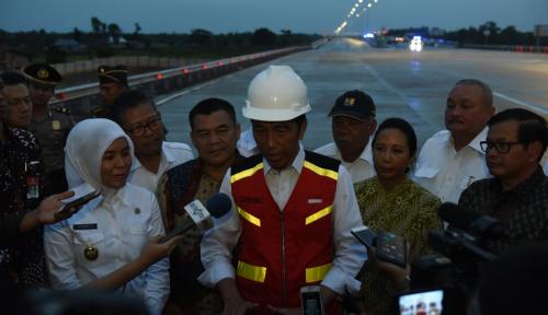 Foto Jokowi: Pembangunan Infrastruktur Satukan Kita