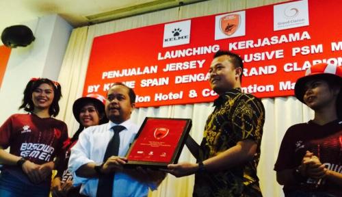Foto Kelme Gandeng Clarion Pasarkan Jersey PSM Makassar
