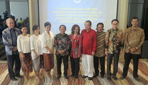 Foto TP Rachmat: Dalam Kebebasan, Terkandung Tanggung Jawab Besar
