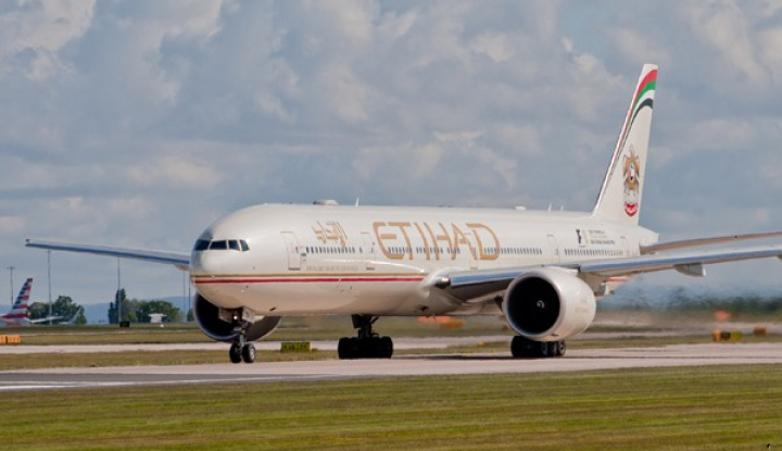 Foto Berita Seorang WNI Terpaksa Melahirkan di dalam Pesawat Etihad Airways