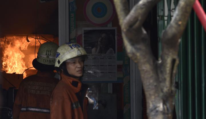 Lima Unit Pemadam Padamkan Kebakaran Rumah di Medan - Warta Ekonomi