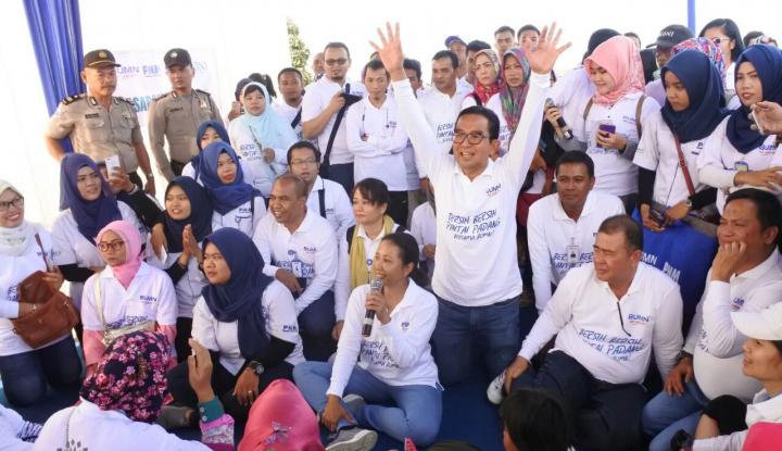 Foto Berita Pesan Menteri Rini untuk Ibu-Ibu Mekaar, Rajin Nabung Biar Naik Kelas