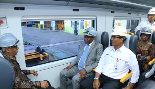 Foto Wih, 250 Kereta Buatan Indonesia Dikirim ke Bangladesh