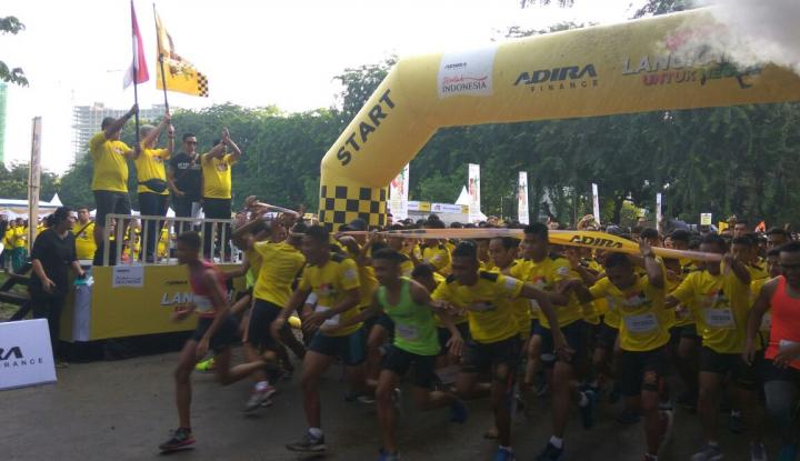 Foto Berita 3.500 Peserta Padati Fun Run HUT Adira