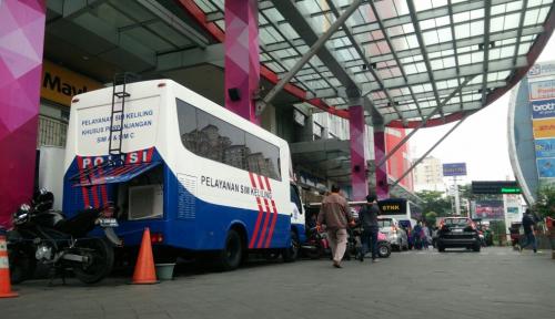 Foto Tarik Pengunjung, LTC Fasilitasi Layanan SIM dan STNK Keliling