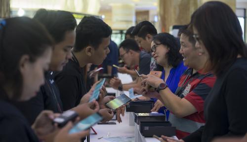 Foto Tren Penjualan Telepon Seluler di Denpasar Kian Tumbuh