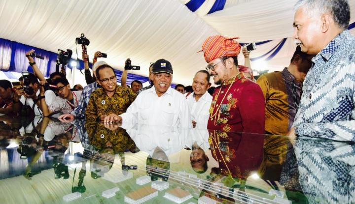 Foto Menteri PUPR Minta Pengerjaan Proyek Tol Layang Makassar Dikebut