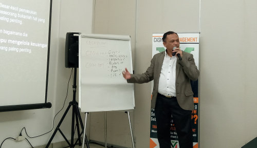 Foto Sukses Keuangan dengan Simple Financial Planning