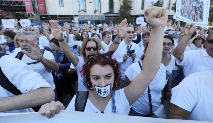 Foto Berita Di Bawah Kendali Madrid, Catalonia: Hanya Ada Satu Kata, Lawan!