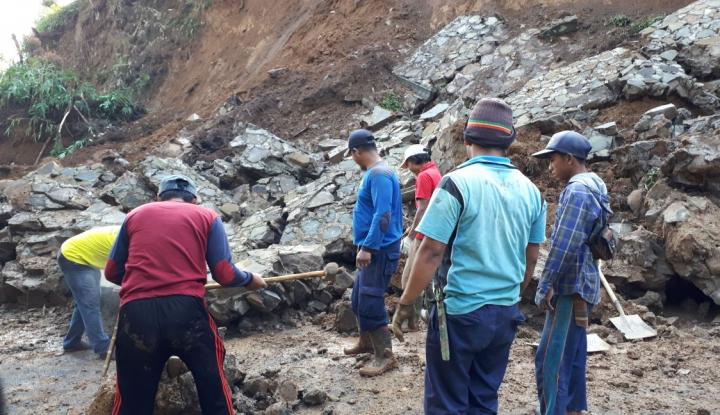 Foto Berita BNPB: Sembilan Orang Meninggal Akibat Longsor Brebes