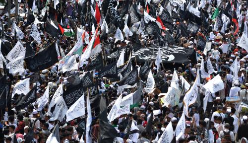 Foto Akbar Tandjung: Kasus Pembakaran Bendera Tauhid Harus Tuntas