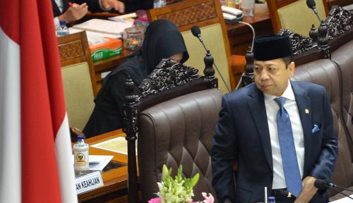 Foto Ada Novanto Atau Tidak, Kinerja DPR Tetap Lancar