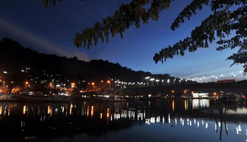 Foto Supermoon Hiasi Langit Indonesia Malam Ini