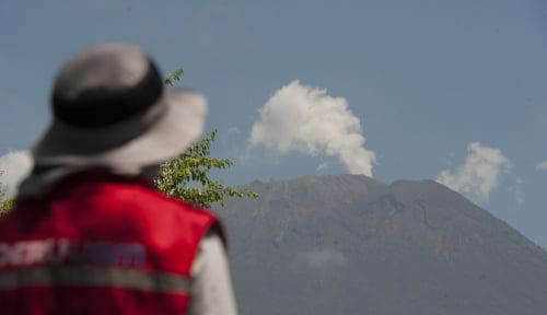 Foto Pasca Gempa Lombok, Aktivitas Gunung Agung Aman