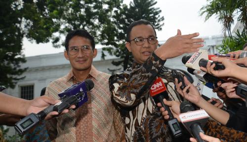 Foto Balai Kota Siaga, Anies-Sandi Aman?