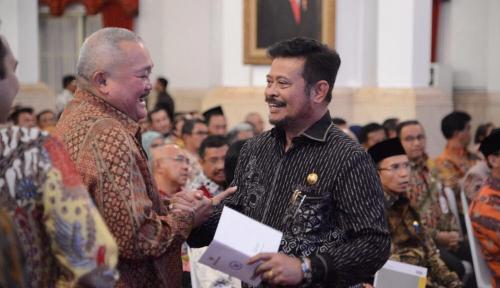 Foto Gubernur Syahrul Jamin Kemudahan Izin Investasi di Sulsel