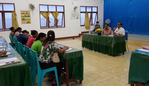 Foto Kemenkop dan UKM Beri Bantuan 18 Wirausaha Pemula di Flores Timur