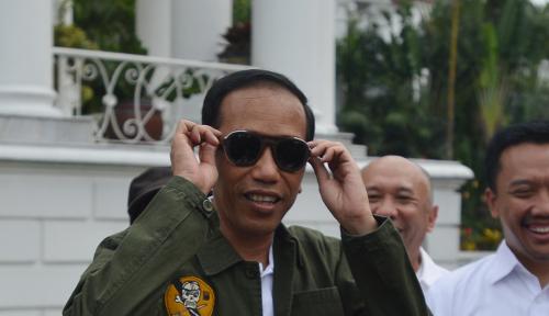 Foto Keluar Hotel, Jokowi Lapar Lalu Pesan Mie Rebus