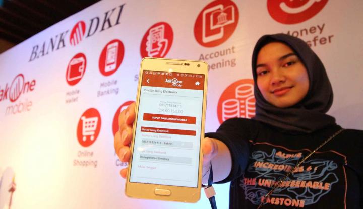 Foto Berita Permudah Wajib Pajak, JakOne Mobile Bank DKI Bisa untuk Bayar PBB
