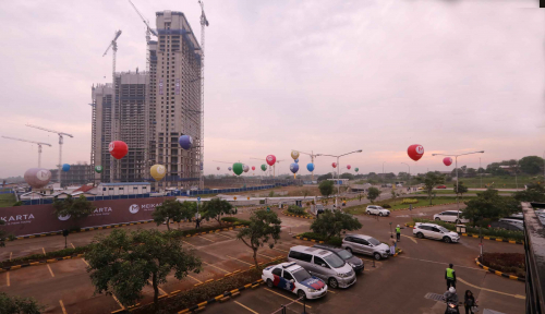 Foto KPK Sita Tiga Mobil Terkait Kasus Suap Meikarta
