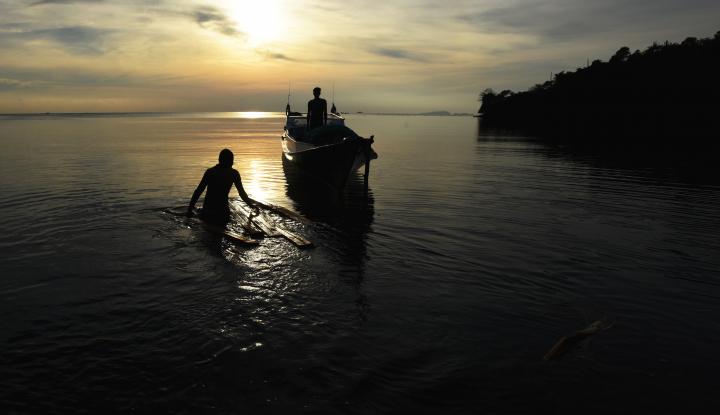 Foto Berita Peringati 13 Tahun Tsunami, Nelayan Aceh Barat Adakan Zikir Bersama