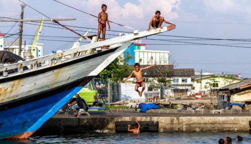 Foto Tingkatkan Pendapatan Nelayan, KKP Morotai Salurkan 148 Kapal Ikan