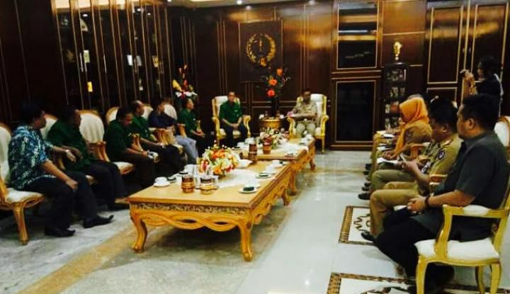 Foto Berita Syahrul Dukung Sang Adik di Pilgub Sulsel