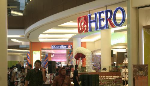 Foto Hero Supermarket Klaim Karyawannya Setuju Di-PHK, Lho?